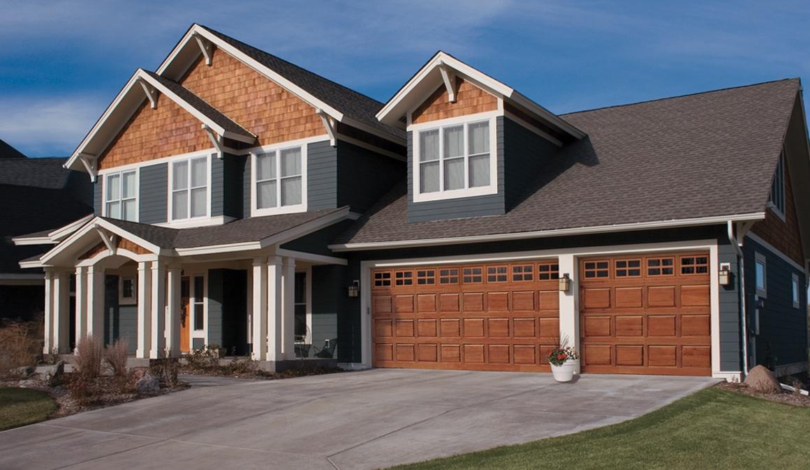 CLASSIC™ WOOD collection garage doors